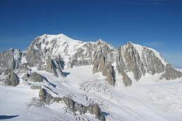 cms_13220/Mont_Blanc,_Mont_Maudit,_Mont_Blanc_du_Tacul[1].jpg